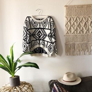 VINTAGE Black and White Aztec Knitted Sweater